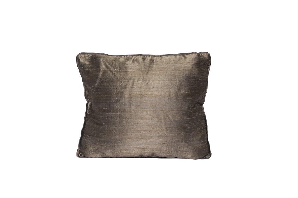 Almofada de seda lisa marrom claro
