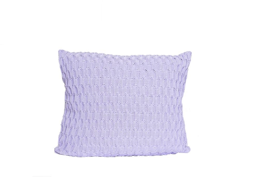 Almofadas de tricot trabalhado lilas