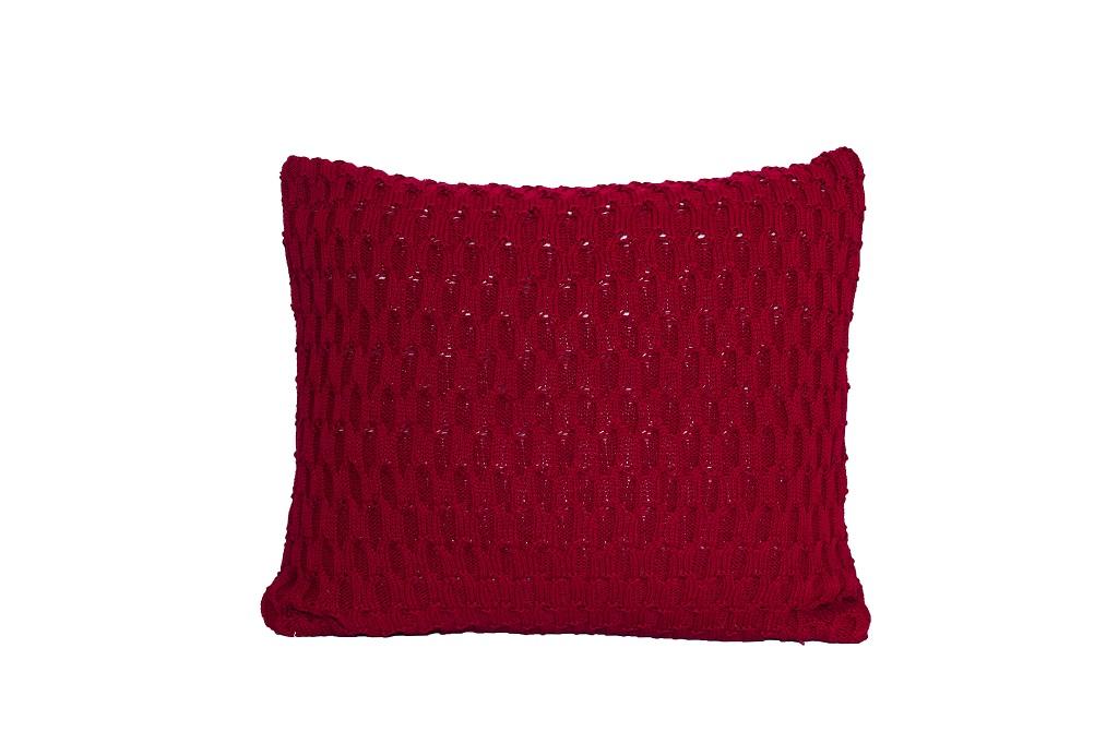 Almofadas de tricot trabalhado vinho